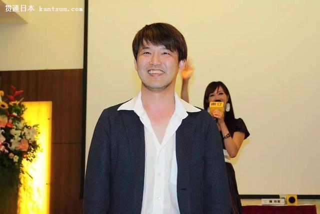 老当益壮!人气COSER宣布与漫画家藤岛康介结婚