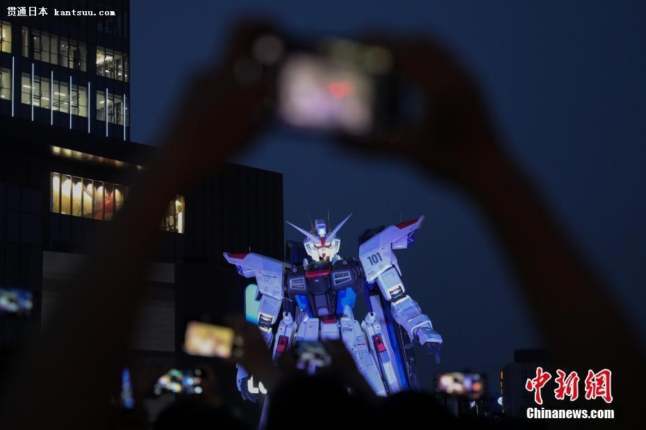 日本海外首座高达立像上演机械灯光秀【2】